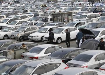 自動車業界の就職者数が減少