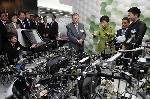 Gov't, Hyundai to Foster Gwangju into Hub of Hydrogen Vehicles