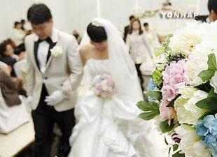 В РК сокращается рождаемость и растёт количество браков