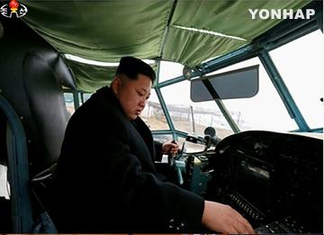Corea del Norte estrena aeronaves de producción nacional