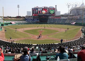 韓国プロ野球の観客数 800万人突破