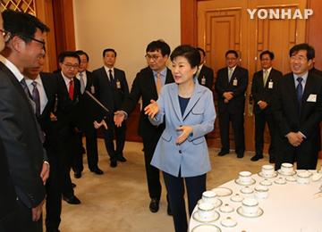朴大統領のメディア懇談会 与野党の反応