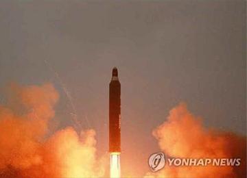 """미국 전문가 """"북한, 1~2년 후 괌 도달하는 핵미사일 보유 가능"""""""