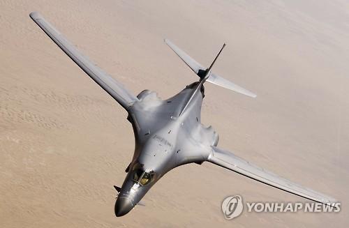 قاذفات قنابل أمريكية تحلق بالقرب من كوريا الجنوبية