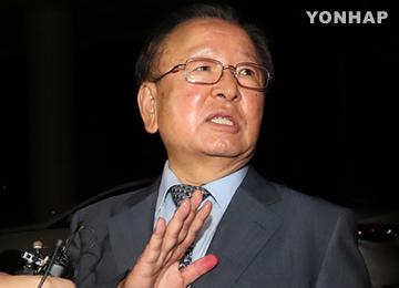 '억대 금품수수·부당투자 압력' 강만수 구속영장 청구