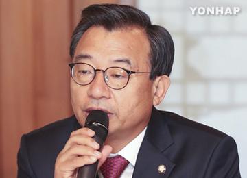 """이정현 """"미르·K스포츠재단, 국정감사서 규명하면 될 일"""""""