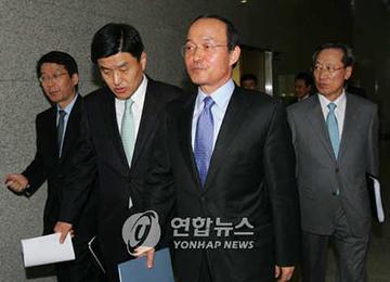 """심윤조 """"'기권' 결정은 11월 20일'···회고록과 일치"""""""