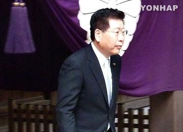 아베 보좌관 'A급 전범합사' 야스쿠니신사 참배