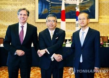 S. Korea, Japan to Resume Talks on Military Information Sharing Agreement