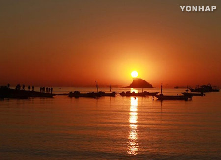 今年最後の日没・初日の出は大丈夫 ほぼ晴れの天気