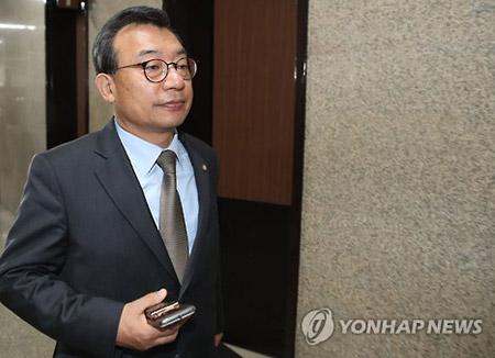 セヌリ党の李貞鉉前代表 責任取って離党
