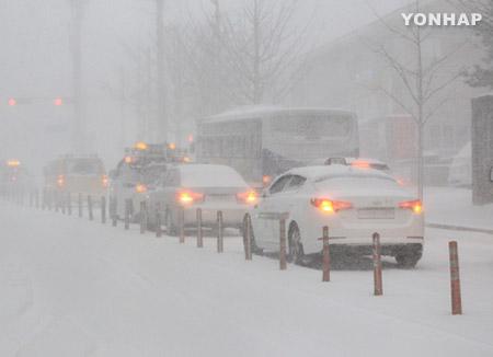 中部地方にまとまった雪 交通に影響