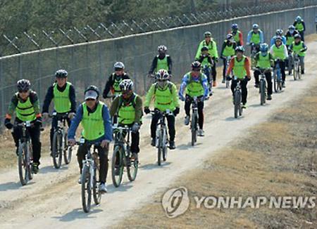 自転車で非武装地帯 ことしも盛況