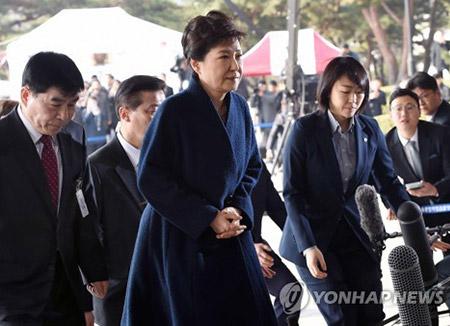 Choi Gate : l'interrogatoire de Park Geun-hye par les procureurs se poursuit