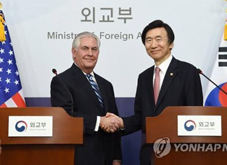 Washington tente d'apaiser les polémiques après la visite de Rex Tillerson à Séoul