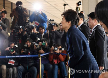 朴大統領の短いコメントに政界から批判の声