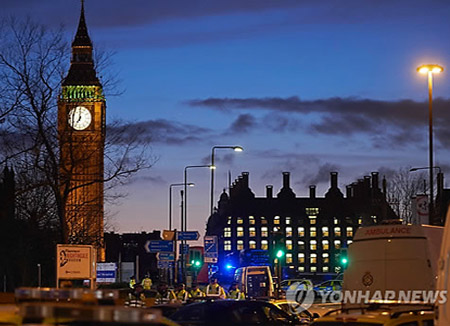 英国伦敦议会大厦外发生恐袭 5名韩国游客受伤