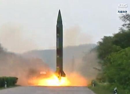 北韓がまた弾道ミサイル発射 空中で爆発