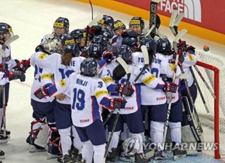 Hockey sur glace féminin : la Corée du Sud bat la Corée du Nord 3-0