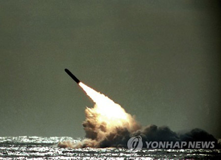 北韓の潜水艦 SLBM複数発を同時に発射可能か