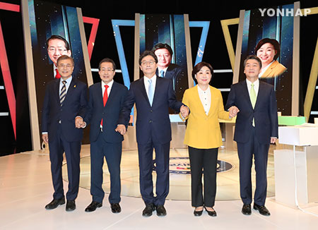 آخر مناظرة تلفزيونية بين مرشحي الرئاسة مساء أمس