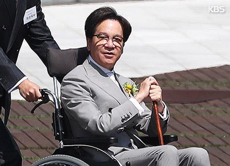 이재현 CJ회장, '경영 복귀' 선언...4년 만에 공식 행사 참석