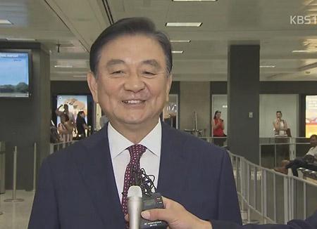 홍석현 특사, 트럼프 면담···문 대통령 친서 전달
