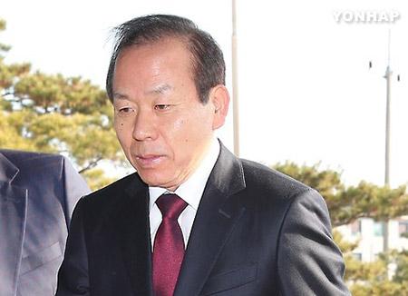憲法裁判所長に金二洙氏を指名 文大統領