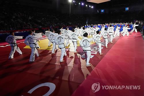 世界テコンドー選手権 北韓選手団が訪韓