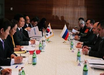 Seúl y Moscú buscan persuadir a Pyongyang mediante cooperación económica