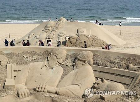 افتتاح مهرجان الرمال في شاطئ هيه أون ديه في بوسان