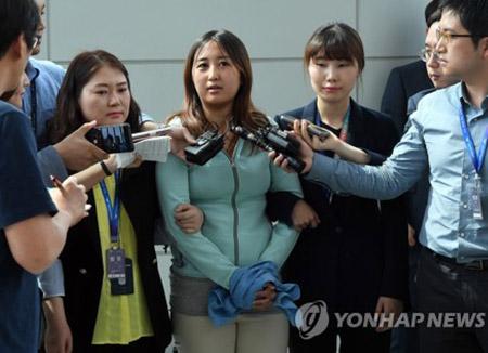 Choi Gate : à son arrivée à Séoul, Jeong Yu-ra déclare ignorer les soupçons pesant sur elle