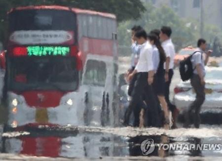 전국 대부분 '폭염특보'···서울 낮 최고 32도·대구 35도