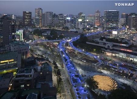 Más de 2 millones de personas visitan el parque Seoullo 7017