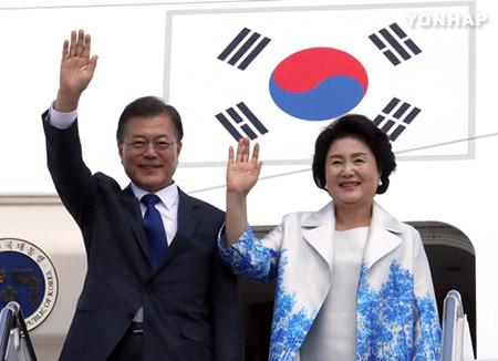 """문 대통령, 워싱턴 도착···""""북핵 동결이 대화의 시작"""""""