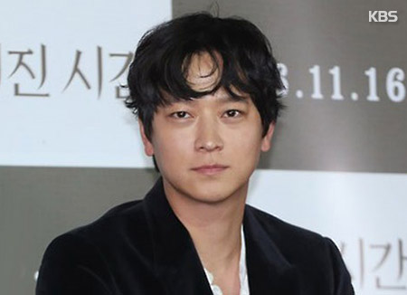 Aktor Gang Dong-won Raih Penghargaan Asia Star di Festival Film New York Asian
