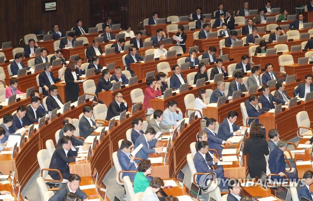 Политические партии РК договорились утвердить поправки в закон о структуре правительства