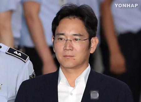 三星電子トップに懲役12年求刑 特別検察官