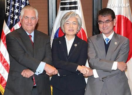 マニラで韓日米外相会談 北韓対応で協力