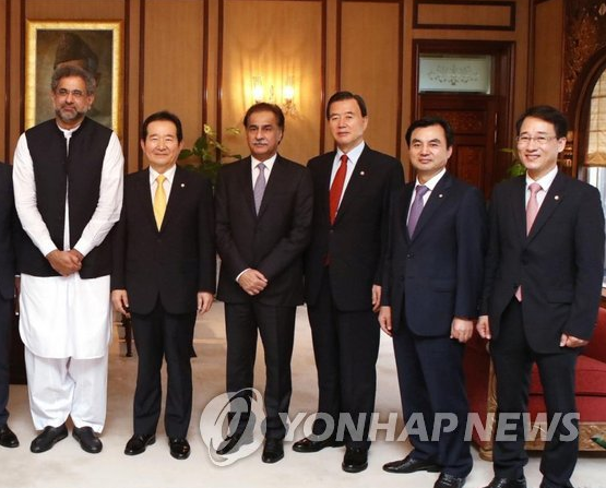 Assembly Speaker Chung, Top Pakistani Officials Discuss Cooperation