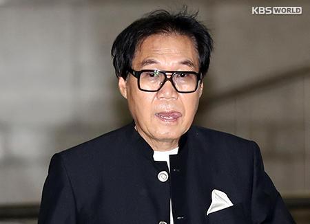 검찰, '그림 대작' 조영남에 징역 1년 6개월 구형…진중권 증인 출석