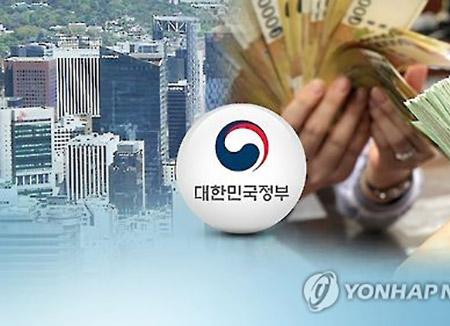 올해도 세수 호황…상반기 세금 12조3천억 더 걷혔다