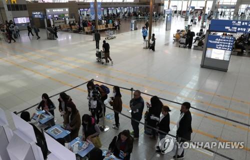 韓国への中国人入国者が半減 THAAD配備の報復