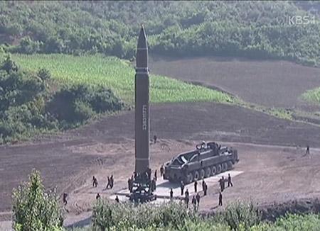 「韓国も核兵器保有すべき」 韓国人の6割