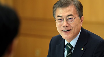 Moon Opposes Nuclear Armament of S. Korea