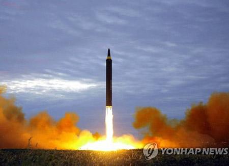北韩今晨发射疑为洲际级弹道导弹