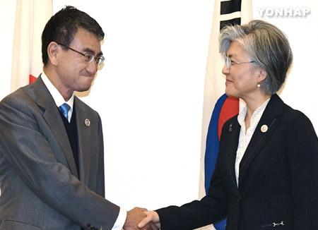 韓日外相 北韓問題での協力を確認