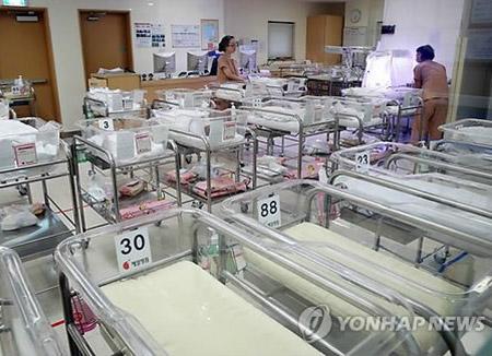 В РК усугубляется проблема рождаемости