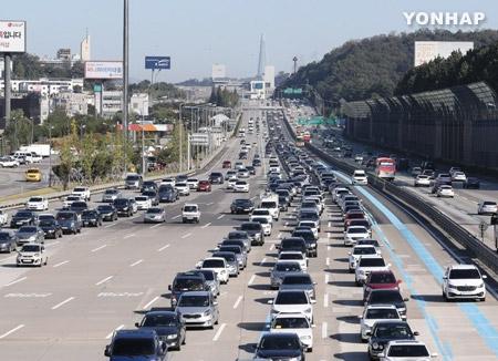 今年の秋夕の帰省や旅行 延べ6200万人が移動