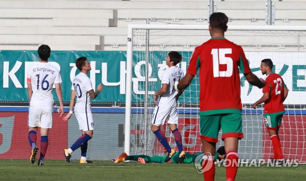 韩国国足队1比3败给摩洛哥队